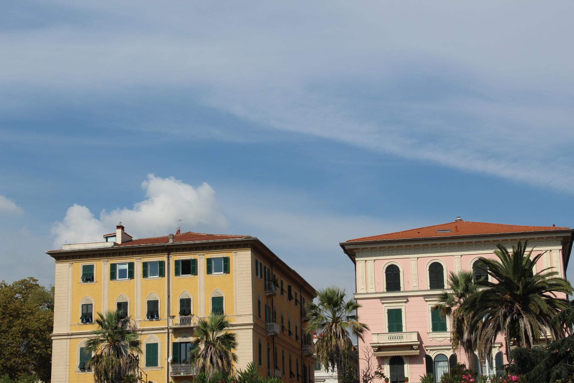 beautiful houses in Italy , La Spezia