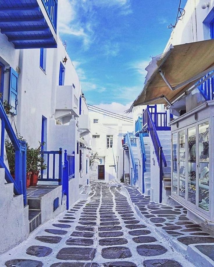 A SMALL GUIDE RO MYKONOS GREECE FROM A FASHION BLOGGER