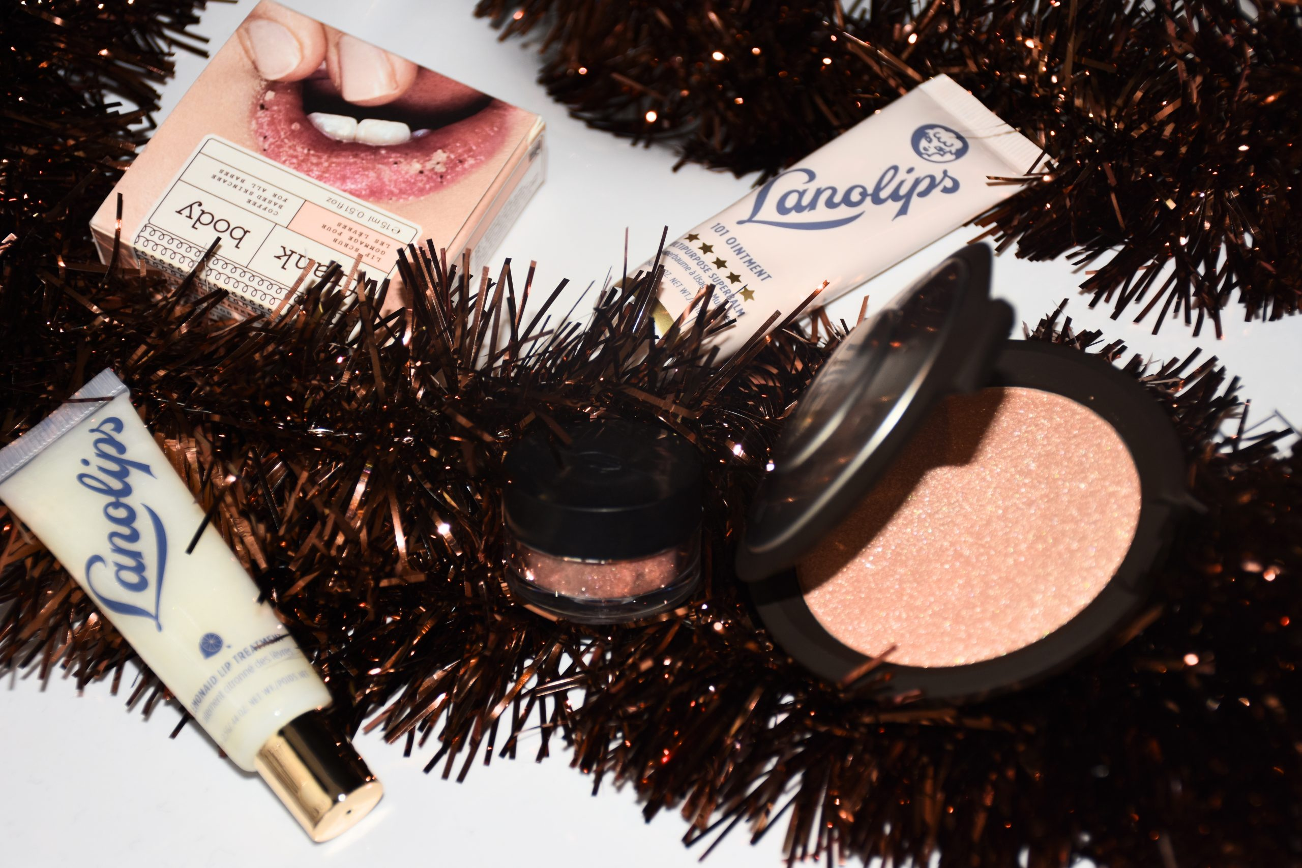 5 BEAUTY PRODUCTS I NEED FOR THIS CHRISTMAS HOLIDAYS