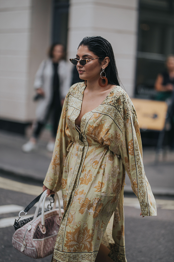 HARPEER BAZAAR LONDON FASHION WEEK STREET STYLE