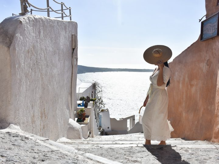 Santorini Outfits To Die For- What To Wear In Santorini